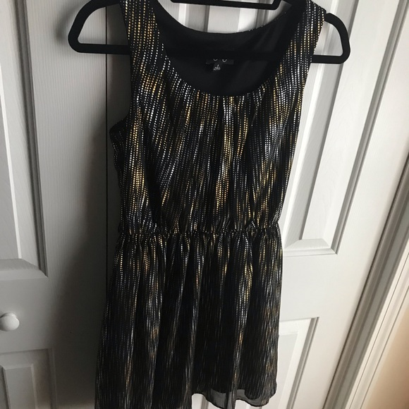 Dresses & Skirts - Junior party dress size small